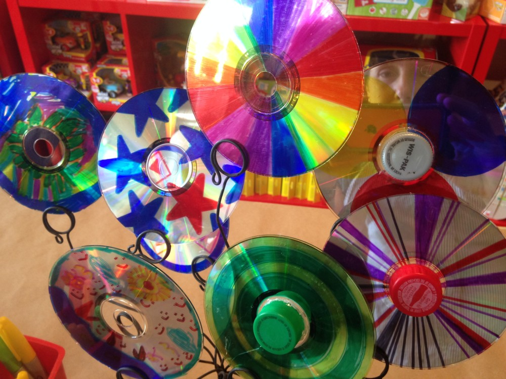 Tutorial-Colorful Spinning Tops from Re-purposed CDs